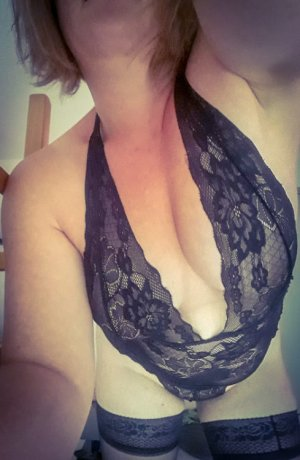 Ottilia frauen escort in Radevormwald, NW